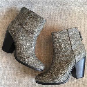 Rag & Bone Newbury leather booties 8.5 pebbled